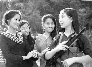 female-viet-cong-soldiers-1