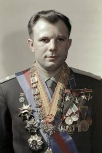 ria-novosti-yuri-gagarin-soviet-cosmonaut_a-g-10041975-14258383