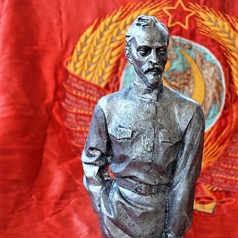 Statue Felix Dzerzhinsky (1)