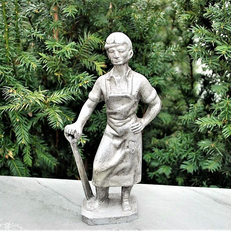 Statue Soviet Union Metalworker (1)