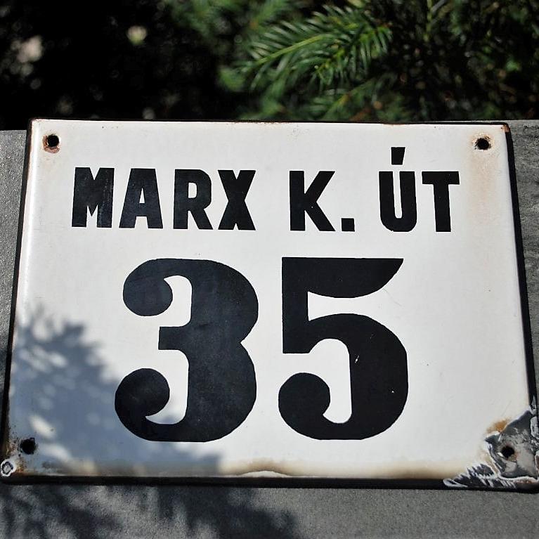 Streetsign Karl Marx (1)