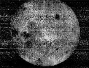 800px-Luna_3_moon