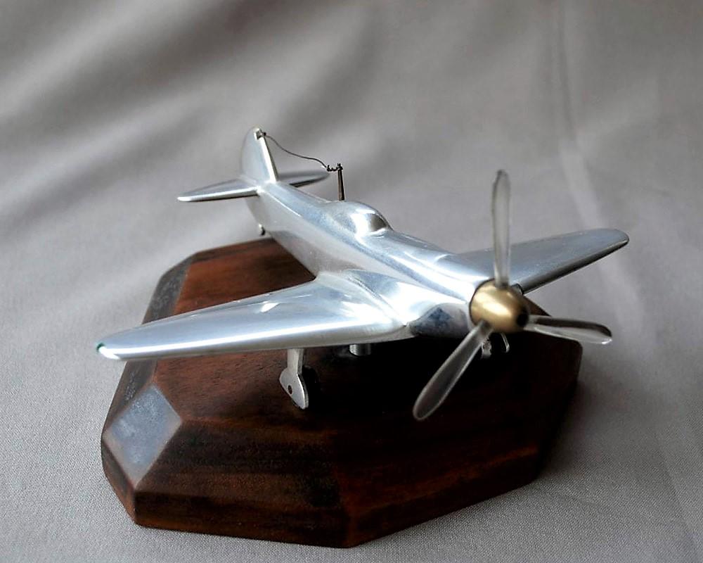 Model plane Yakovlev Yak-9 (7)