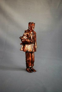 Statue border guard ak-47 (2)