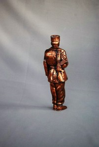 Statue border guard ak-47 (3)