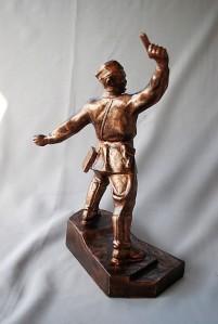 Statue Soviet Officer Attacking (4)