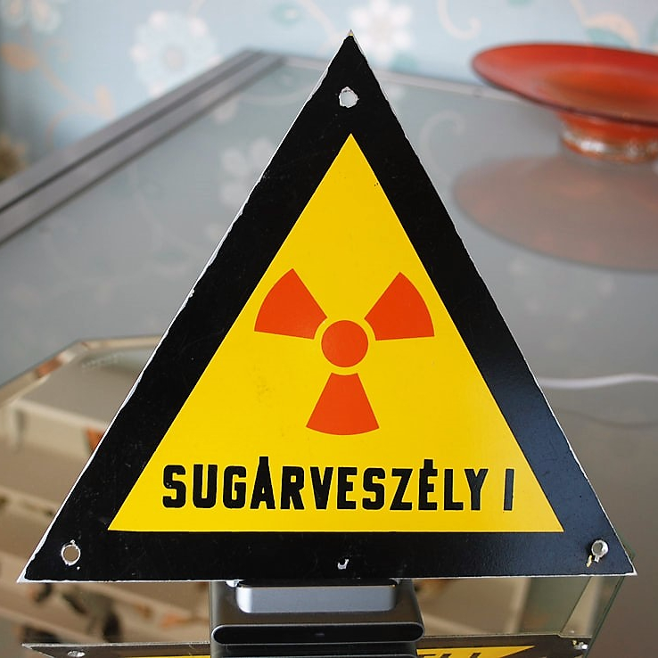 Sign Hungary Radiation Hazard (1)
