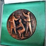 plaque-ere-plaque-uit-de-metaal-industrie-met-speld-mooie-stylisisch-afgebeeld-2-medium_orig