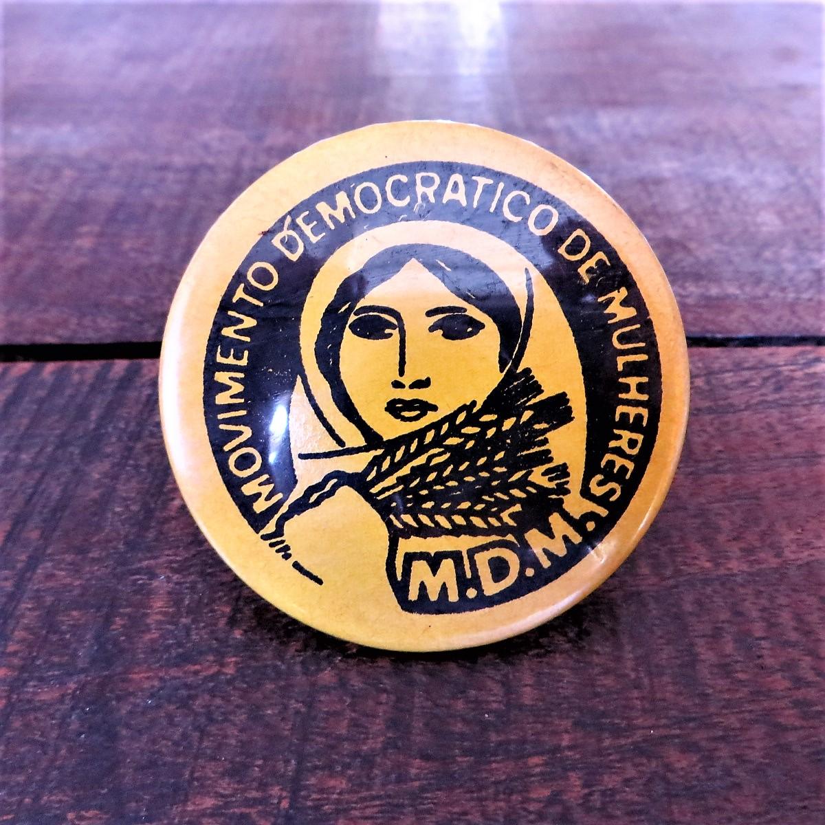 button-movimento-democratico-de-mulheres-1