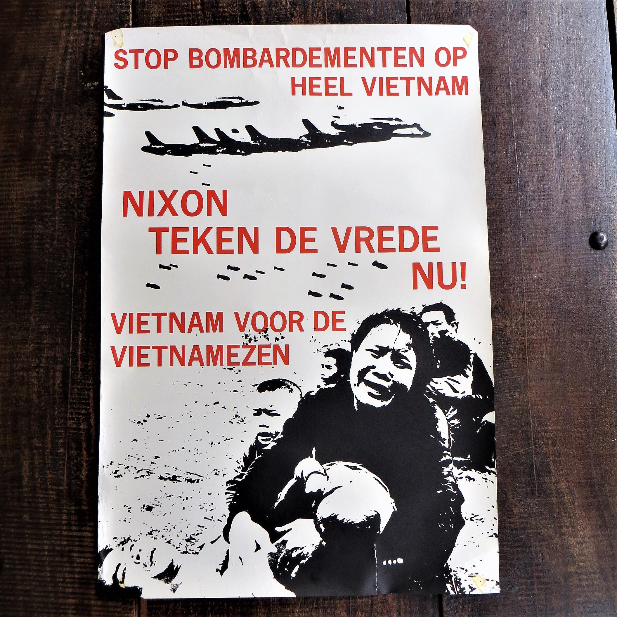 poster-stop-bombardementen-op-heel-vietnam-1